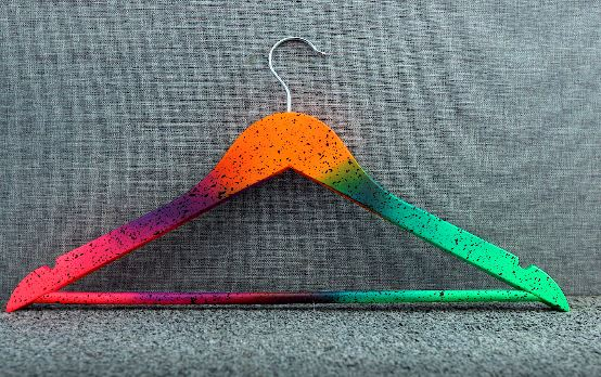 Coloured Hangers – Using End of Spray Paint Cans