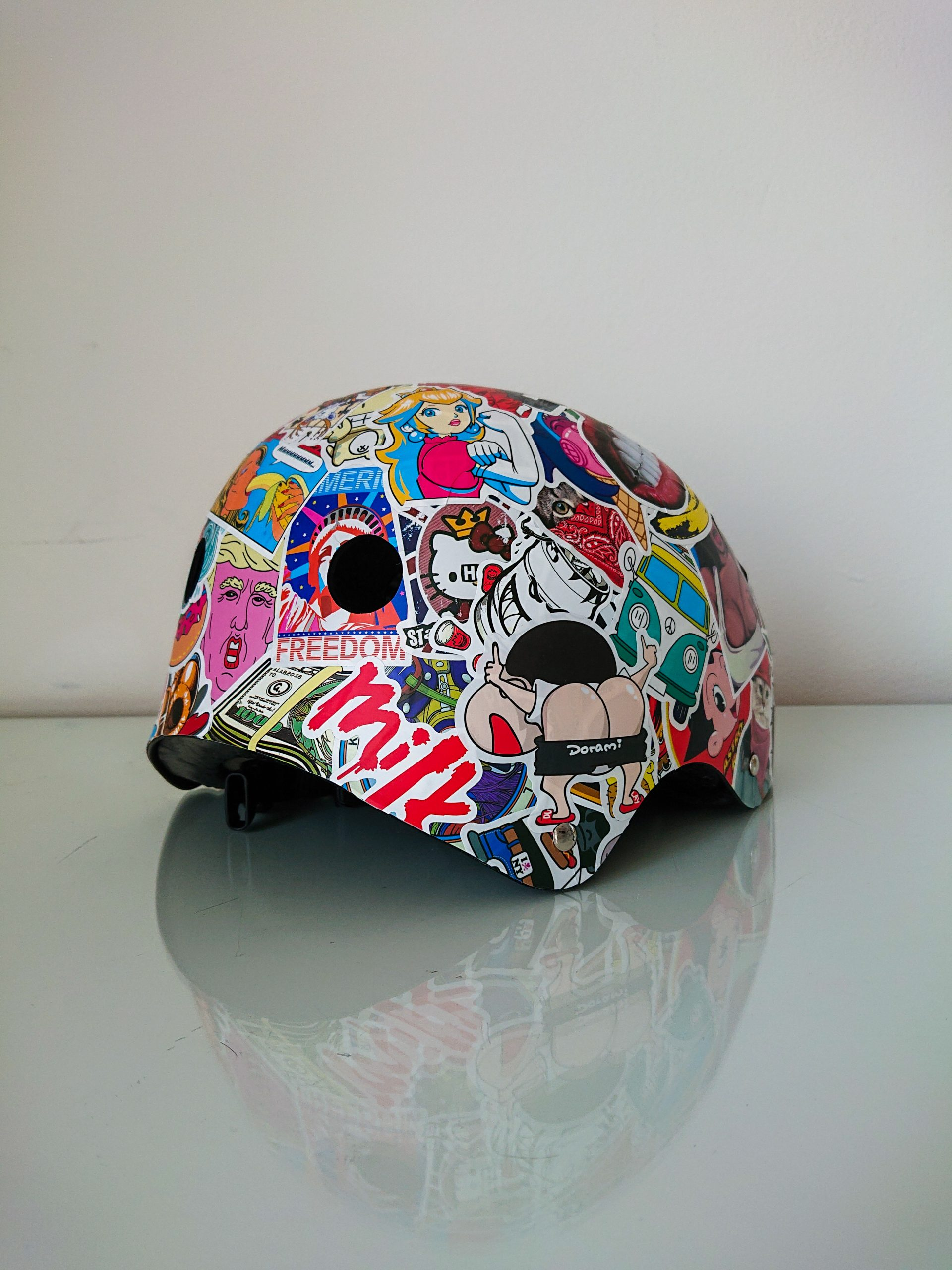 Sticker Bombing Cycle Helmet – Bike Life